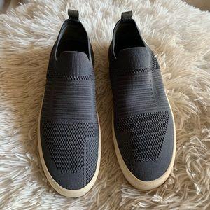 ❗️CLOSING UP SHOP❗️j slides platform shoes size 7
